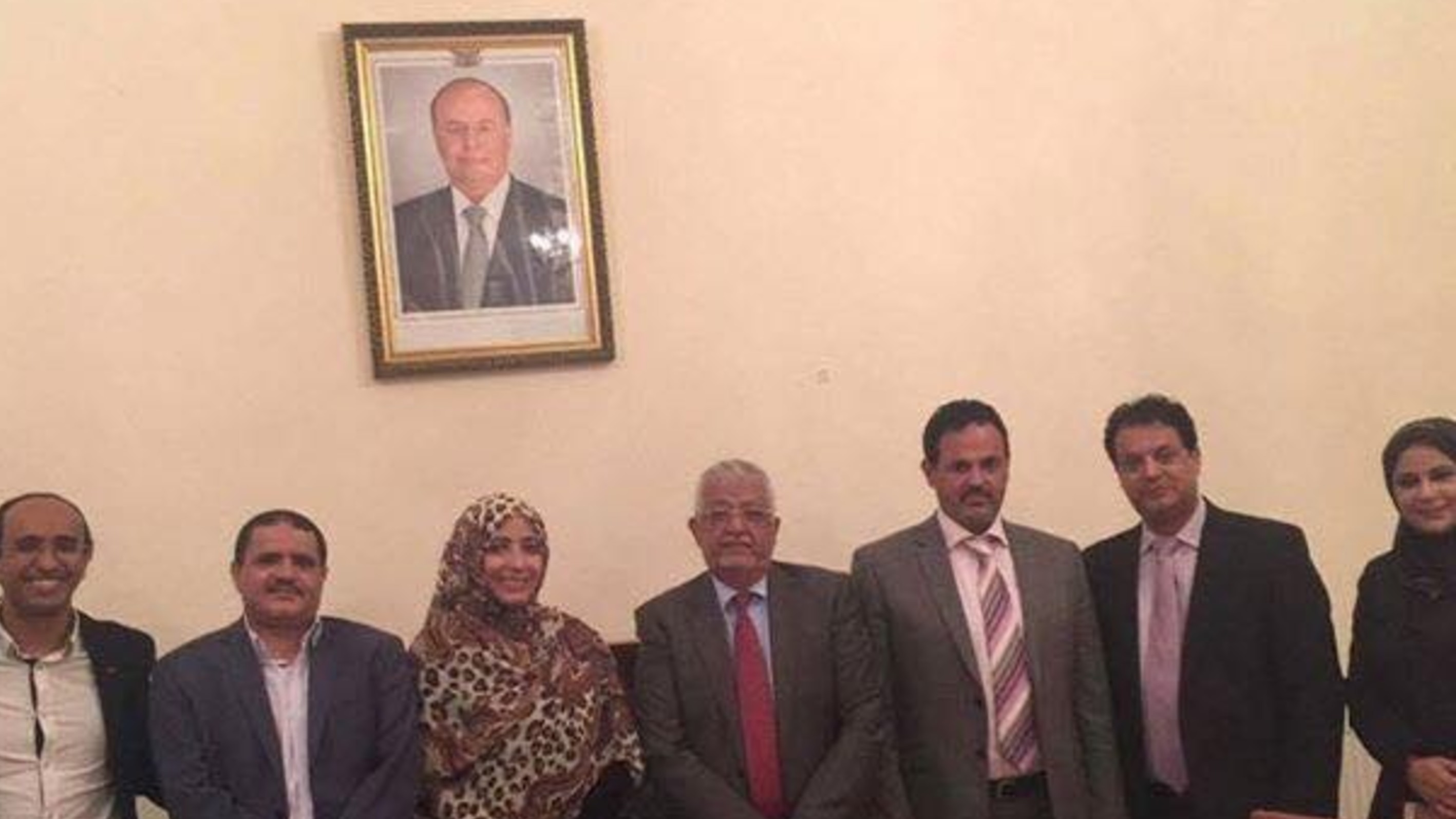 Tawakkol Karman visits Yemeni diplomatic mission in London